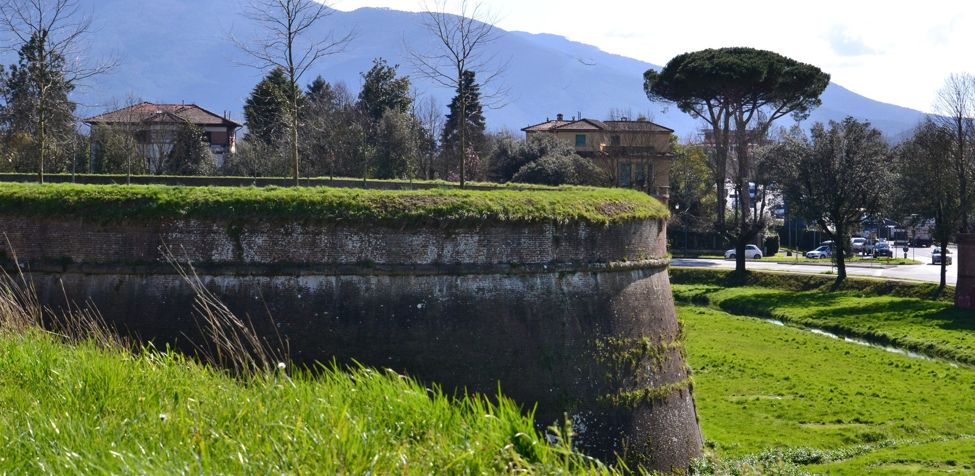 A Walk on the Walls of Lucca